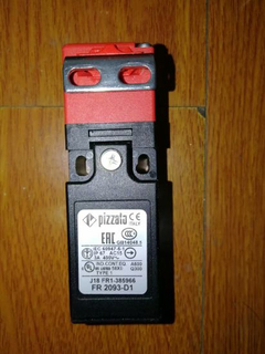 Pizzato Safety Switch with Separate Actuator Fr 2093-D1